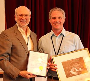 Mike Silkosi, winner of the 2013 Marianne Edwards Distunguished Service Award, with FOA president David MacDonald